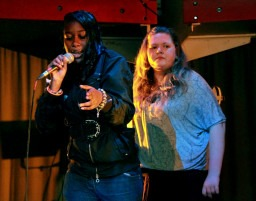 Can extra curricular music support young people's performance in school?
