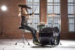 Here Come the Grrrls: Fiona Daniel drumming course